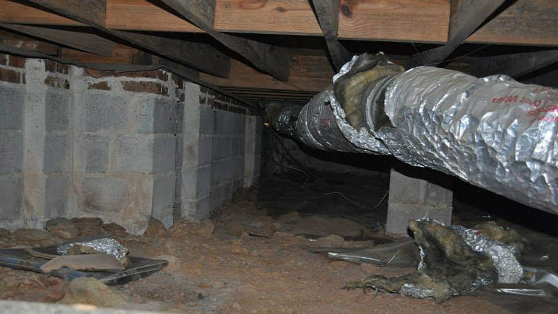 Crawlspace Before Encapsulation